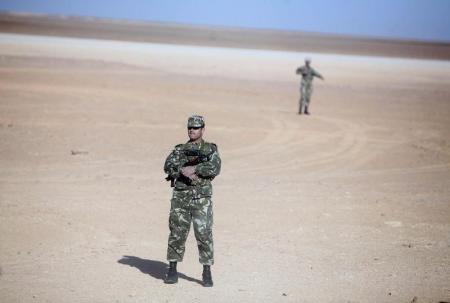 الجزائر تكتشف 18 مخزنا للذخيرة وتصادر متفجرات