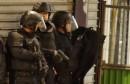 سماع دوي رصاص وانفجارات مع مداهمة الشرطة الفرنسية لمنطقة في باريس