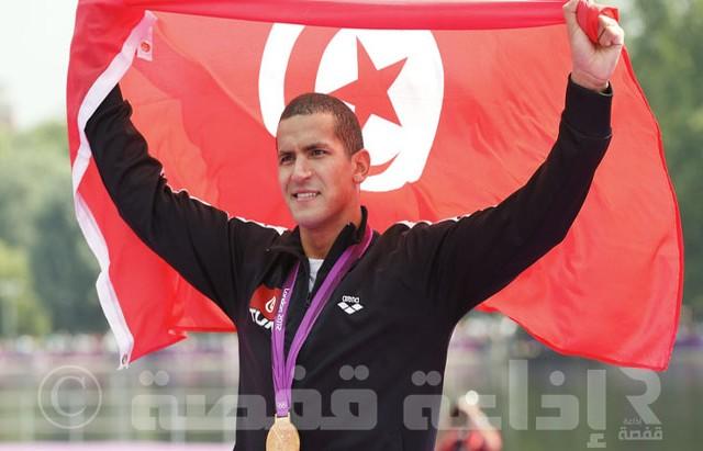 أسامة الملولي يحمل العلم التونسي في افتتاح أولمبياد ريو 2016