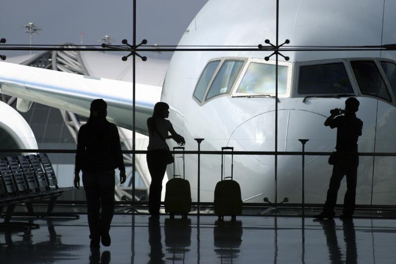 مطار طائرة الخارج سفر عالقين 90cj